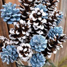 Winter Wedding Centerpieces, Winter Wedding Flowers, Blue Winter Weddings, Winter Themed Wedding, Outside Winter Wedding, Winter Engagement Party, Painted Pinecones, Winter Wonderland Theme, Cute Wedding Ideas