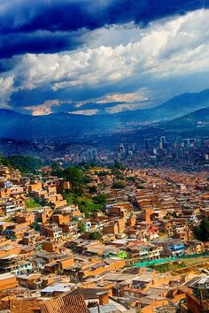 Medellín, Colombia Desde Metrocable by GringoPaisa, via Flickr