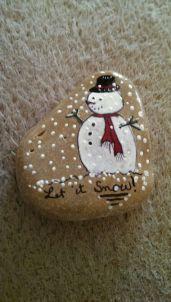 Christmas Painted Rocks Ideas 5
