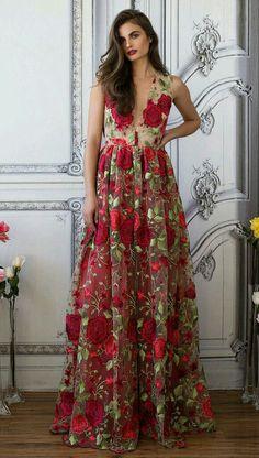 s-media-cache-ak0.pinimg.com originals 42 dc 0a 42dc0a803751f63ed544eba51e486c6b.jpg Floral Dresses, Tunics, Robes, Flower Dresses, Tunic, Floral Outfits, Floral Skirts
