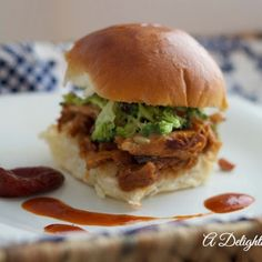 Chipotle Bar-b-Que Pulled Pork Slider. Discover our recipe rated by 10 members. Garlic Sauce, Tomato Sauce, Brocolli Salad, Taco Burger, Pulled Pork Sliders, Bar B Que, Recipe Ratings, Wrap Sandwiches, Pork Loin