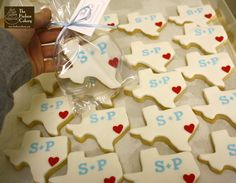 texas monogram cookies cute! With Wisconsin cookies and the hearts where placed in the city where we are from