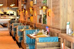 Ober Mamma, le phénomène italien Big Mamma s'installe près d'Oberkampf ! Restaurant Design Moderne, Luxury Restaurant, Restaurant Bar, Top Interior Designers, Luxury Interior Design, Best Interior, Lunch Places, Paris Restaurants, Dining Room Design