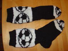 Lankaa mutkalle: Pallo on pyöreä Socks, Fashion, Stockings, Moda, Fashion Styles, Sock, Fashion Illustrations, Boot Socks, Hosiery
