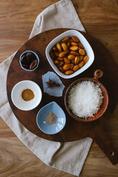 Spiced Almond and Coconut Milk / simpleprovisions Veggie Recipes, Healthy Recipes, Spiced Almonds, Clean Eating, Healthy Eating, Love Eat, Slow Food, Breakfast Smoothies, Food Design