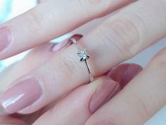 Kalpten gelen pırıltı, 0.07 Karat Pırlanta Tektaş Yüzük... Model numarası: 04R0062🔎siriuspirlanta.com adresinden ürün detaylarına ulaşabilirsiniz. #sirius #siriuspırlanta #pırlanta #pirlanta #diamond #yüzük #yuzuk #tektaş #tektas #tektaşyüzük #tektasyuzuk #pırlantatektaş #teklif #evlilik #evlilikteklifi #nişan #söz #mücevher #takı #picoftheday #sevgiliyehediye #hediye #engüzelevet #lüks #perşembe #istanbul #indirim #picoftheday #loveit #likeit Diamond Solitaire Rings, Silver Rings, Jewelry, Jewels, Schmuck, Jewerly, Jewelery, Jewlery, Fine Jewelry