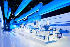 Catwalk and product presentation in one: D'art Design created the trade fair design for Grundig at the IFA for the fourth time
