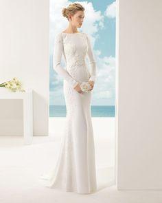 VENUS - - Rosa Clará Soft 2016 Bridal Collection : http://www.itakeyou.co.uk/wedding/rosa-clara-2016-wedding-dress #weddingdress #weddinggown