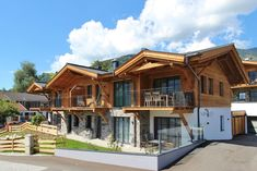 Holiday Home Tauern Suites Top1. Design and luxury apartment near Golf courses, ski area, hiking routes, mountainbike paths, etc. Wellness area available and included.