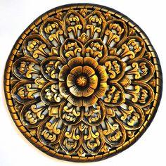 Relief Wandbild Teak 60cm Holz Blüten rund gold braun