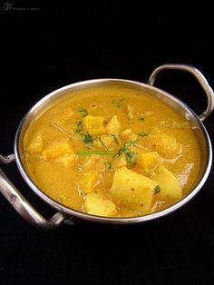 Paprikovo - zemiakove kari Vegetarian Curry, Thai Red Curry, Indie, Potatoes, Vegan, Ethnic Recipes, Food, Vegan Curry, Meal