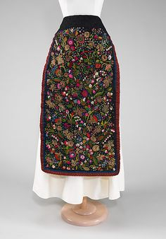 Hungarian apron - late 19th century, silk and metal embroidery