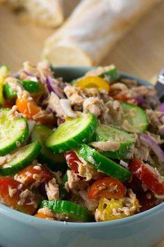 Quick tuna salad with honey mustard dressing-Schneller Thunfisch Salat mit Honig Senf Dressing Quick tuna salad with cucumber and tomato - Salad Recipes No Meat, Salad Recipes For Parties, Salad Recipes For Dinner, Healthy Diet Recipes, Healthy Foods To Eat, Shrimp Recipes, Pork Recipes, Vegetarian Recipes, Cooking Recipes