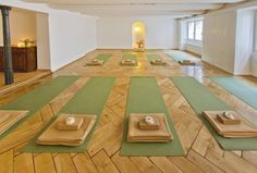 Yogagarage, a boutique yoga studio in the old town of Zurich, Switzerland. Hatha Yoga, Iyengar Yoga, Gucci, Zurich, Beautiful Space, Small Groups, A Boutique, Old Town, Old Things
