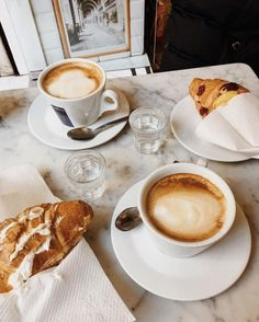 Find images and videos about food, delicious and coffee on We Heart It - the app to get lost in what you love. Coffee Is Life, I Love Coffee, Coffee Break, My Coffee, Morning Coffee, Coffee Drinks, Coffee Photography, Food Photography, But First Coffee