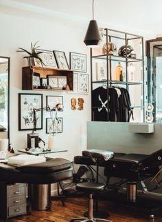 Gorillaz, Tattoo Shop Decor, Tattoo Studio Interior, Tattoo Station, Barber Shop Decor, Home Tattoo, Studio Setup, Sweet Home, Interior Design