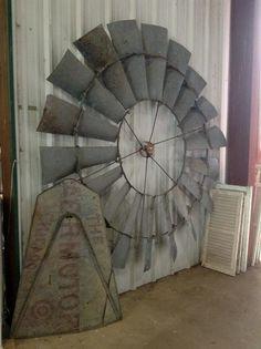 make your own farmhouse windmill decor 29 Farm Windmill, Windmill Wall Decor, Windmill Decor, Garden Windmill, Country Farmhouse Decor, Farmhouse Chic, Western Decor, Rustic Decor, Wall Fans
