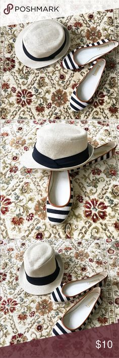 Summer Fedora 🕶BNWOT BNWOT: NEVER WORN. Perfect condition ✨ tan and navy summer fedora. So chic! Gives the great accessory of a hat without the bulk. Would look great dressed up or down: for brunch or on the beach! Awesome nautical flats also for sale in my closet 💕Bundle and Save 💕 Accessories Hats