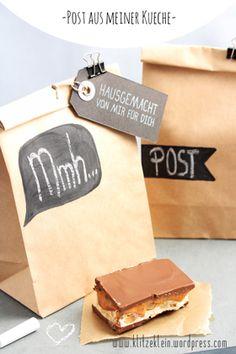 """für """"Post aus meiner Küche"""". Briefträger befördern gerade in DIESEM Moment (und auch in den nächsten Tagen) gehaltvolle Päckchen durch das launische Aprilwetter. Etwa 300! an der Zahl. …"""