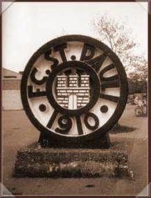 FC St. Pauli. 1950 World Cup, Fc St Pauli, Celtic Fc, Sport Motivation, Football Team, Saints, Germany, Soccer, Inspiration