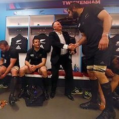 Makes anyone feel small. Rugby League, Rugby Players, Rugby 7's, Richie Mccaw, All Blacks Rugby, World Rugby, Sports Images, Illustrations, Maori