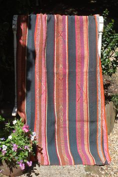 This is a stunning vintage Bolivian blanket. These blankets have been made my the Aymara and Quechua people of Bolivia and Peru since antiquity. This one
