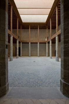 Classical column. Tabuenca & leache, Arquitectos. Pamplona, Navarra, Spain.