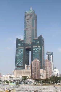 T & C Tower - The Skyscraper Center Taiwan, now called 85 Sky Tower Unique Buildings, Interesting Buildings, Amazing Buildings, High Building, Tower Building, Building Design, Futuristic Architecture, Beautiful Architecture, Architecture Design