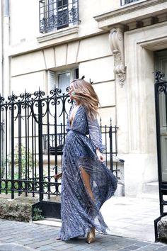 Fave dress http://stylelovely.com/bartabacmode/2016/11/dream-paris-17eme