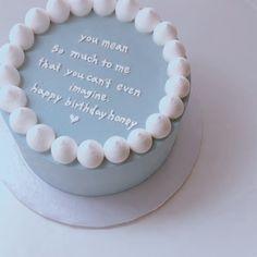 Pretty Birthday Cakes, My Birthday Cake, Pretty Cakes, Beautiful Cakes, Simple Cake Designs, Simple Cakes, Mini Cakes, Cupcake Cakes, Korean Cake