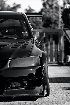 Mitsubishi Lancer Evolution. Grill look on the front grill n headlights is hot