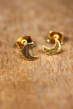 Tiny Crescent Moon Stud Earrings - Gold