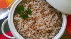 Rice with pigeon peas and coconut is one of my favorite Panamanian dishes. I tri. - Diet - Fashion - Woman's And Panamanian Food, Venezuelan Food, Panamanian Recipe, Venezuelan Recipes, Rice Recipes, Vegetarian Recipes, Cooking Recipes, Arroz Recipe, Panama Recipe