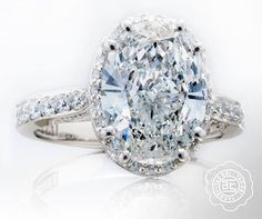An oval diamond...oh-so classic, yet distinct at the same time.  #Tacori engagement ring