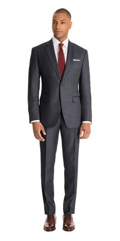 Front shot of model wearing Gray Sharkskin Custom Suit Mens Charcoal Suit, Grey Suit Men, Dark Gray Suit, Mens Fashion Suits, Mens Suits, Best Business Casual Outfits, Sharkskin Suit, Custom Made Suits, Look Formal