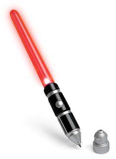 Star Wars Light-Up Lightsaber Pens: Für Schreibmuffel :-) Da mcht das Schreiben doch gleich viel mehr Spaß !