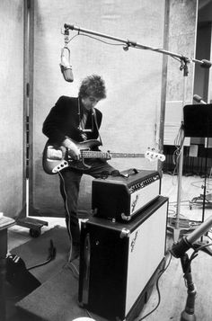 Bob Dylan, vintage Fender bass and Bassman Amp