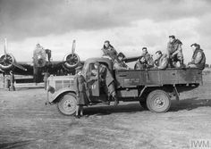 Land Girls, Italian Army, Vintage Air, Us Army, Wwii, Antique Cars, Aviation, Monster Trucks, Aircraft