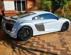 Classy and clean Audi R8 V10 spotted in Durban by @camdavies30  #ExoticSpotSA #Zero2Turbo #SouthAfrica #Audi #R8 #V10plus