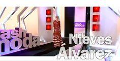 La presentadora Nieves Álvarez con total look de Lebor Gabala SS17 en el programa Flash Moda del 24 de marzo de 2017.