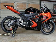 Suzuki Motos, Suzuki Motorcycle, Motorcycle Gear, Gsxr 1000, Suzuki Gsx R 1000, Custom Sport Bikes, Baby Bike, Speed Bike, Cool Motorcycles