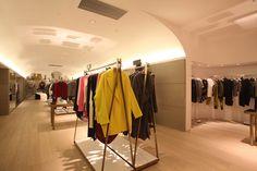 ladies boutique interiors | Joyce boutique Shanghai 02 Joyce boutique, Shanghai Visual Merchandising, Shanghai, Retail Store Design, Retail Stores, Booking Com, Tips Fitness, Boutique Interior Design, Design Furniture, House Layouts