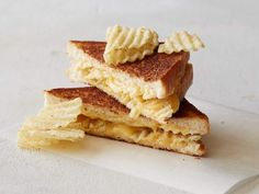 Add Crunch to Your Game-Day Sandwiches : Grilled Cheese + Dill Pickle Potato Chips = New, Old-School