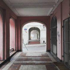 Lubię Warszawę nawet w tak pochmurne dni. #Warsaw #warszawa #poland #polonyalım #polska #polishgirl #trip #Travel #viaggio #podróże #architecture #love