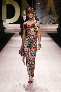 Fantastiche 2019 Su Springsummer Dolceamp; Gabbana 464 Immagini Women 7y6gYbfv