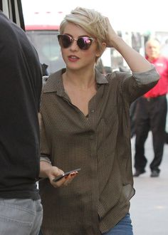 Julianne Hough Short Hair 2014 Julianne hough at lax airport