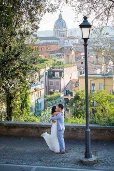 Couple photo session in Italy. #engagement photos in #Rome. Image by Andrea Matone.