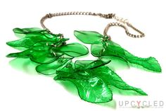 $25.17  Upcycled Collar hecho a mano reciclado