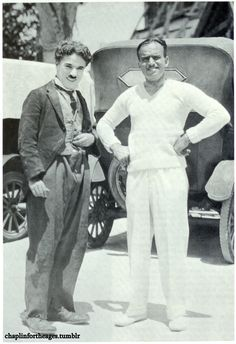 """chaplinfortheages: """" A fave photo of Charlie Chaplin & friend Douglas Fairbanks. Chaplin Studios during production of """"The Gold Rush"""" """" Charlie Chaplin, Golden Age Of Hollywood, Vintage Hollywood, Hollywood Stars, Hollywood Couples, Hollywood Celebrities, Hollywood Glamour, Chaplin Film, Charles Spencer Chaplin"""