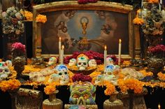 November 1: Birthday of Toni Collette, Sophie B. Hawkins, Anthony Kiedis, and Hannah Höch. All Saints' Day and the first day of Dia de los Muertos (featured -- click through for more pictures, including several lovely calavera catrinas).
